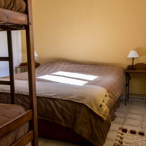 Habitación Cuádruple con baño privado (3)